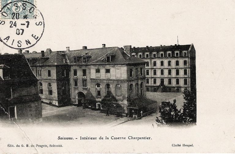 Soissons - Intérieur de la Caserne Charpentier_0