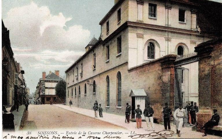 Soissons - Entrée de la Caserne Charpentier_0