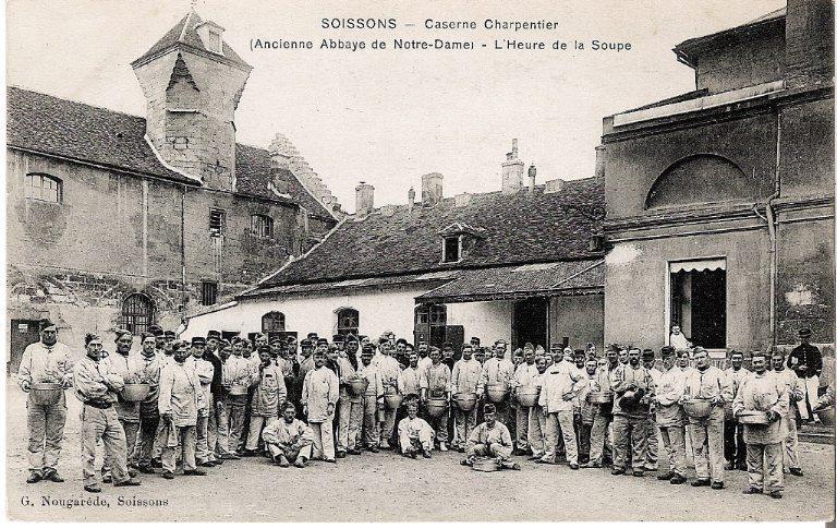 Soissons - Caserne Charpentier (Ancienne Abbaye de Notre-Dame) - L'Heure de la Soupe_0