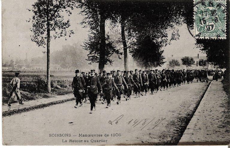 Soissons - Manoeuvres de 1906 - Le Retour au Quartier_0