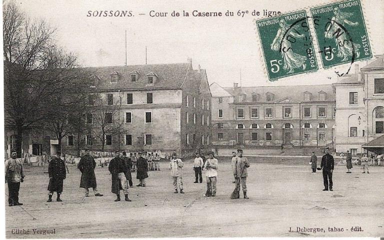 Soissons - Cour de la Caserne du 67e de ligne_0