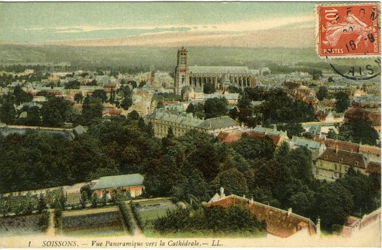 Soissons - Vue Panoramique vers la Cathédrale_0
