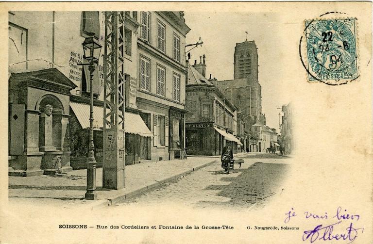 Soissons - Rue des Cordeliers et Fontaine de la Grosse-Tête_0