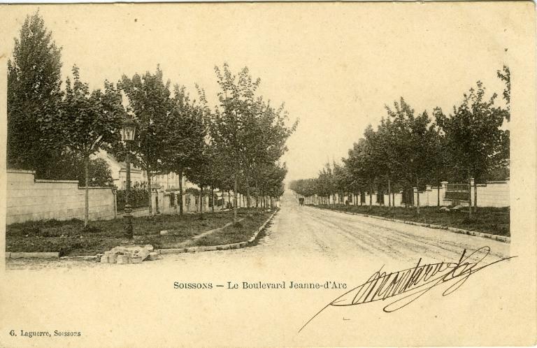 Soissons -Le Boulevard Jeanne d'Arc