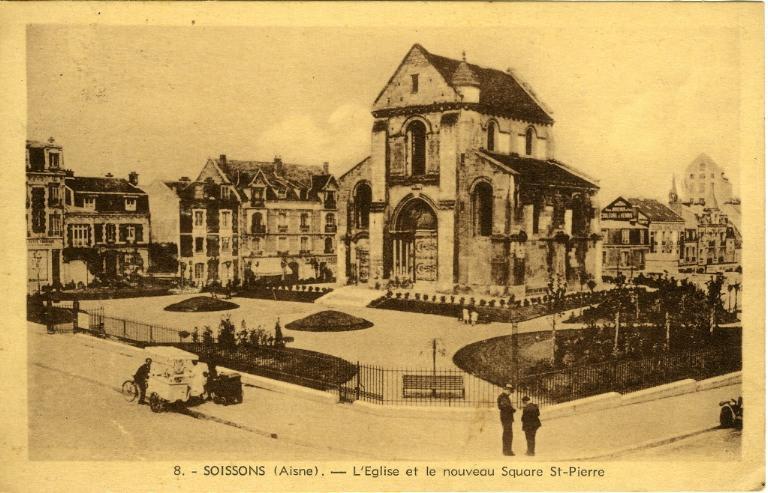Soissons - L'Eglise et le nouveau Square Saint-Pierre_0