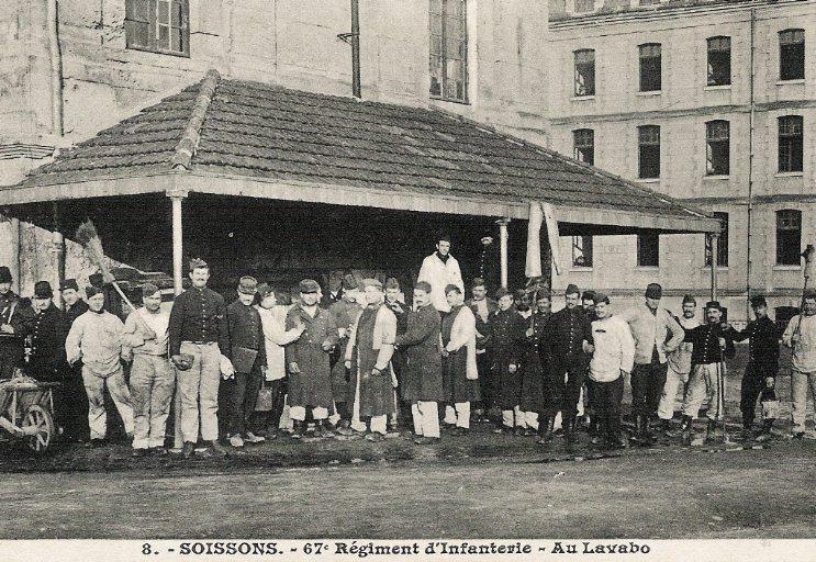 Soissons - 67e Régiment d'Infanterie - Au Lavabo_0