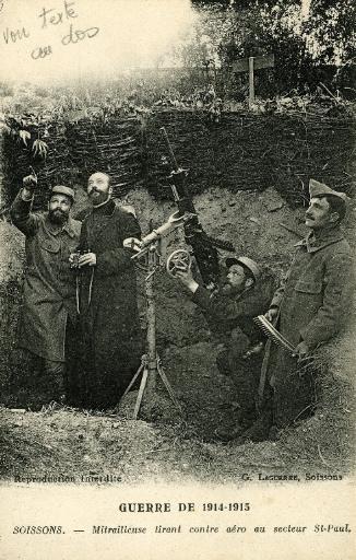 Guerre de 1914-1915 - Soissons - Mitrailleuse tirant contre aéro au secteur Saint-Paul