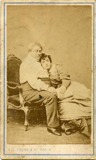 Alexandre Dumas père et Ada Menken assis_0