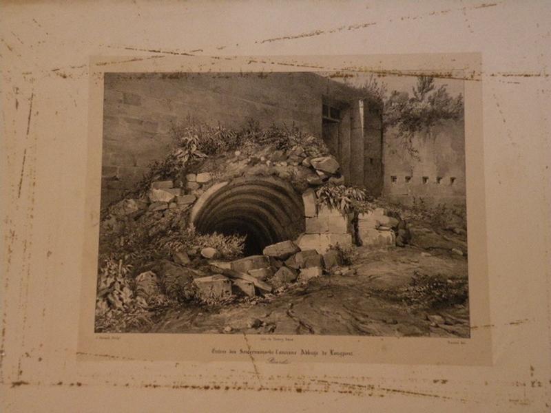 Entrée des Souterrains de l'ancienne Abbaye de Longpont