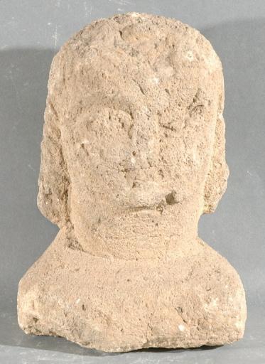 Ex-voto du temple de la forêt d'Halatte, buste de femme_0