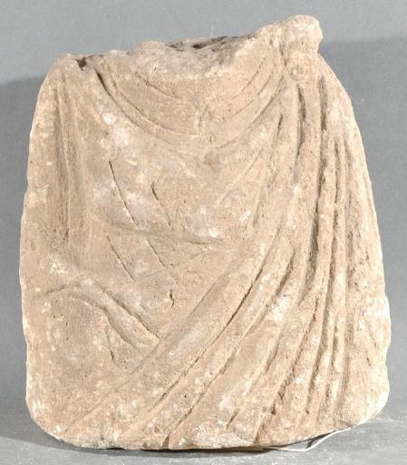 Ex-voto du temple de la forêt d'Halatte, torse de femme