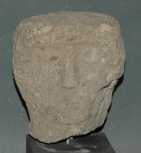 Ex-voto du temple de la forêt d'Halatte, tête d'homme