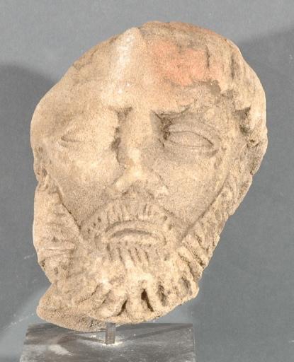 Ex-voto du temple de la forêt d'Halatte, tête d'homme barbu_0