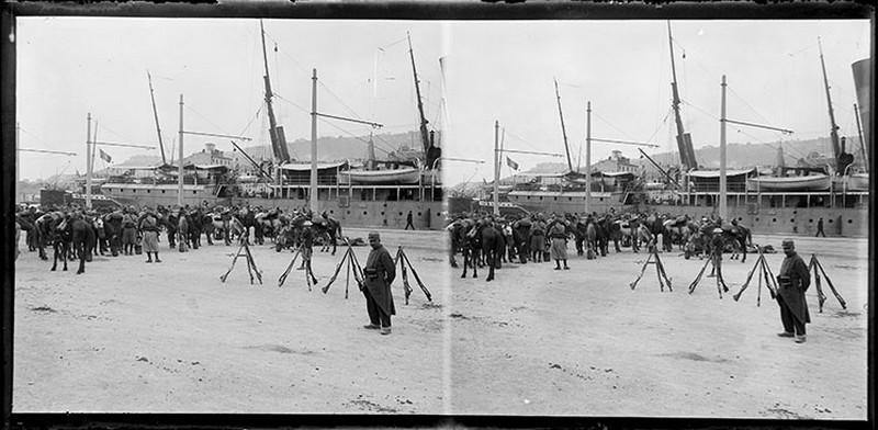 Soldats sur le port de Sète_0