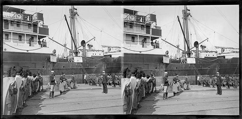 BOUZANQUET Gaston : Soldats sur le port