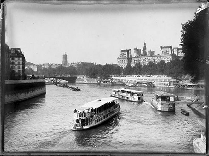 Sur la Seine_0