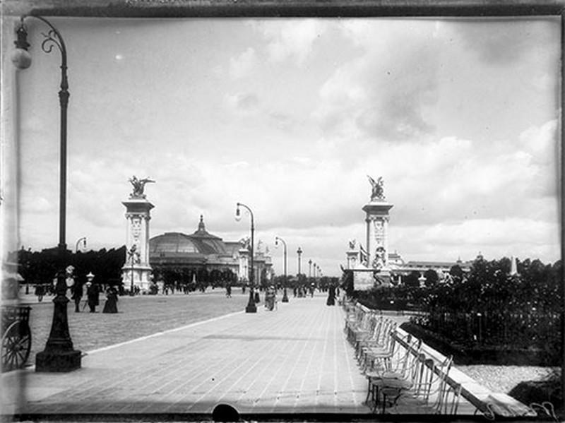 Depuis le pont Alexandre III [exposition universelle 1900]_0