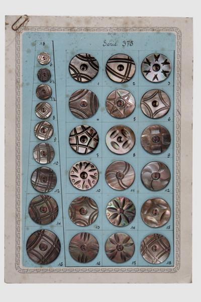 Carte-échantillon, bouton (27)_0