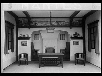 Galeries des écoles d'art de France : hall d'une villa du bord de mer, meubles de style rustique