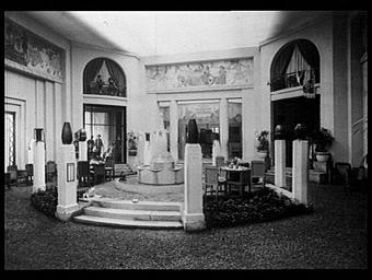 Pavillon de la ville de Paris, cour d'un hôtel particulier