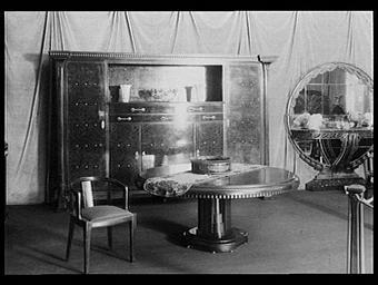 SALLE A MANGER 1920