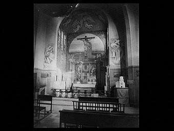 Village français, L' Eglise, La Sainte Face, Le Sacré Coeur de Jésus crucifié, chapelle du maître-autel