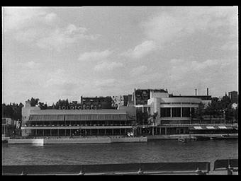 Exposition internationale ; restaurant ; façade ; fleuve