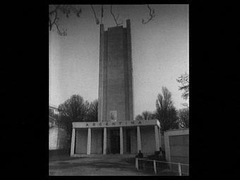 Exposition internationale ; façade ; tour ; colonne ; pavillon d'exposition