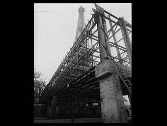 Exposition internationale ; construction ; pavillon d'exposition ; architecture métalllique