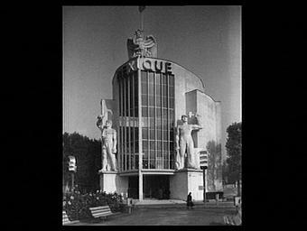 Exposition internationale ; pavillon d'exposition ; entrée ; ronde bosse ; symbole ; ouvrier ; aigle ; façade