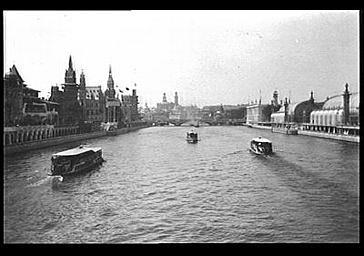 Vue d'ensemble prise de la Seine
