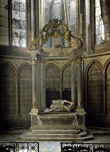 Un autel de la cathédrale