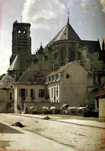 Vue prise de la place Saint-Pierre