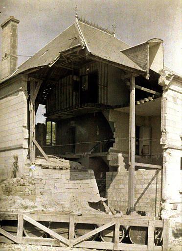 Une maison ' marmitée ' (c-à-d bombardée) à Saint-Waast : ruines