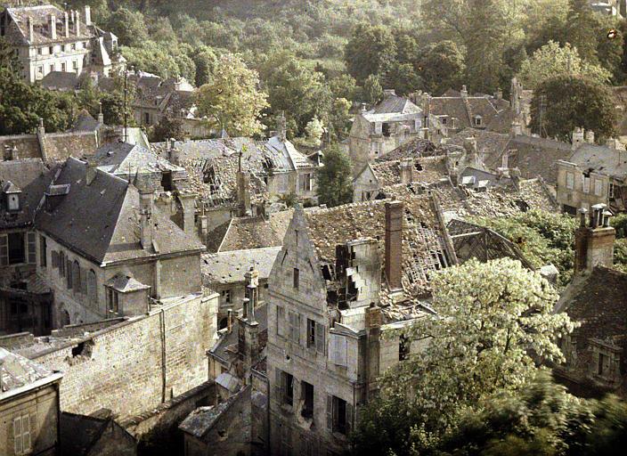 Panorama, toits défoncés