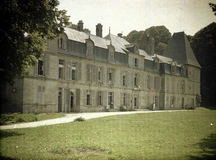 Façade du château de Vauxbuin transformé en hôpital