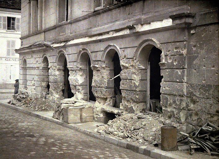Théâtre bombardé le 5 juillet