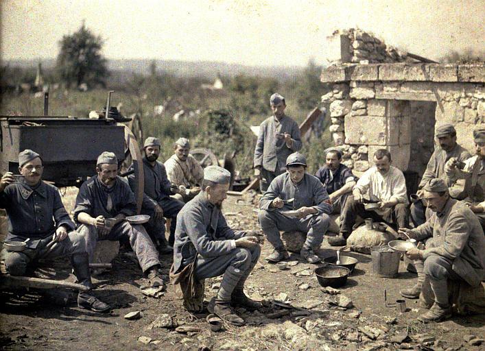 L'heure de la soupe au 370ème infanterie