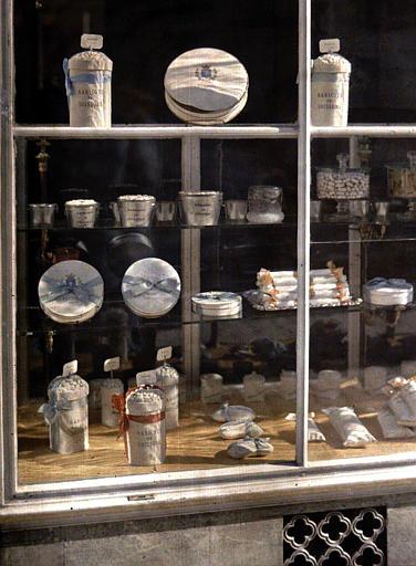 Vitrine de confiserie vendant des haricots de Soissons