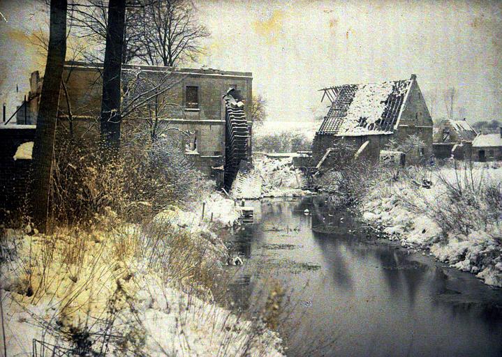 Le moulin du château sous la neige