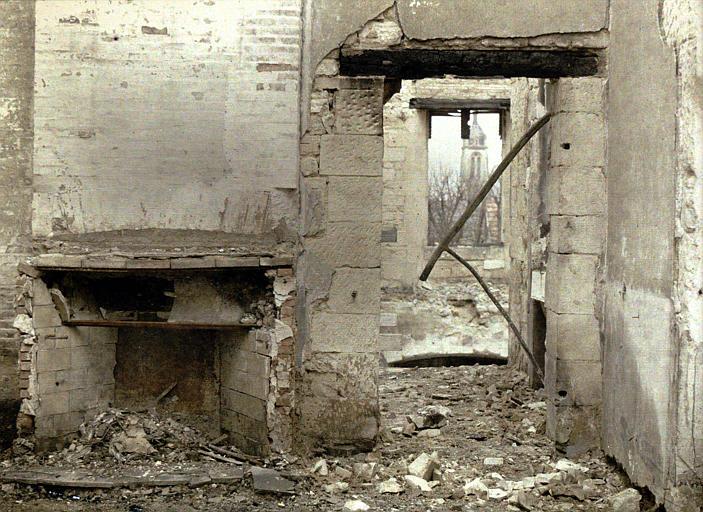 Intérieur, destructions