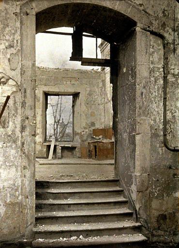 Intérieur de bâtiments détruits partiellement