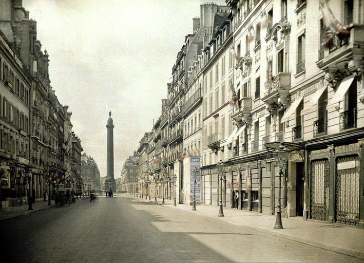 La rue de la Paix avec au fond colonne Vendôme
