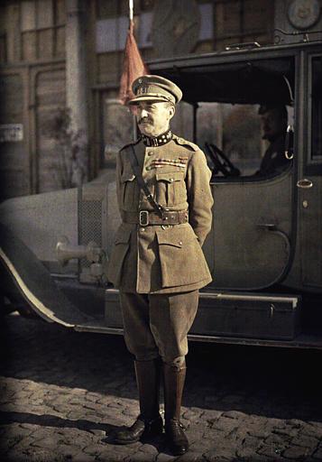 Général belge Michel, commandant la 4eme D.A. (ancien ministre de la guerre)