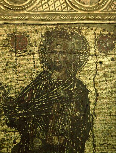 Icône byzantine en mosaïque du Sauveur bénissant un évangile à la main