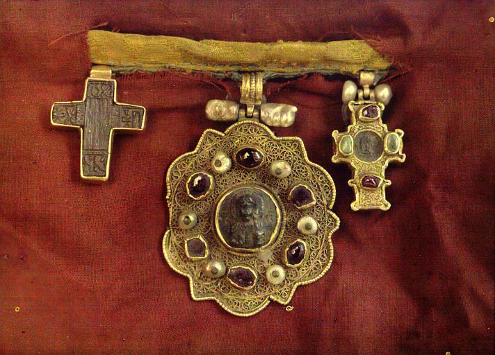 Trois bijoux byzantins