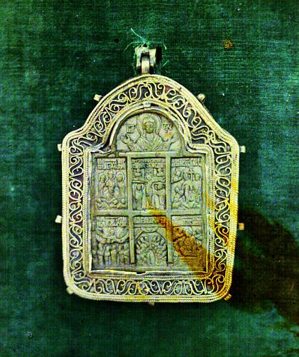 Pendentif byzantin de la ceinture Zoni ou Tablier de la Vierge représentant les morts et résurrection du Christ