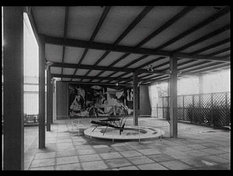 Sculpture : Guernica ; La Fontaine de Mercure