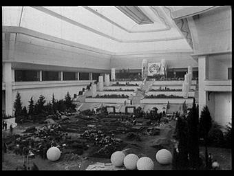 Architectes décorateurs des Floralies : Lambert, Bertrand Arnoux et L. Leny