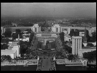 Palais de Chaillot ; Pavillon de l'Allemagne ; Pavillon de l'U.R.S.S. ; Jardins du Trocadéro ; Tour de la Paix